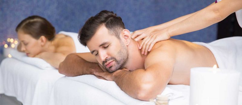 Couple-massage-Therapies-in-spas